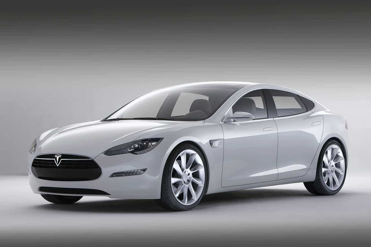 hvit tesla model s fronten1 Tesla Model S   tidenes vakreste Elbil
