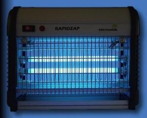 elektrisk fluefanger 300x240 Effektiv fluefanger   bli kvitt fluer