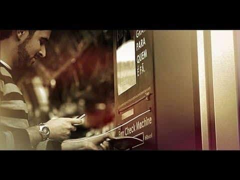 Interessant reklameidé - Billboard Fan Check Machine 7